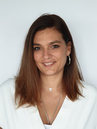 Elvira Caparelli, Marketing/Communications
